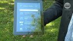 Wakacyjne wojaże z aplikacją turystyczną w ręku