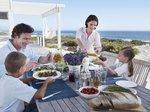 Rodzina na tarasie_Novasol wakacje.jpg